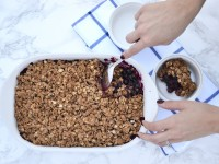 Low sugar blueberry crumble that tastes just like (if not better) a blueberry pie with half the calories and sugar!